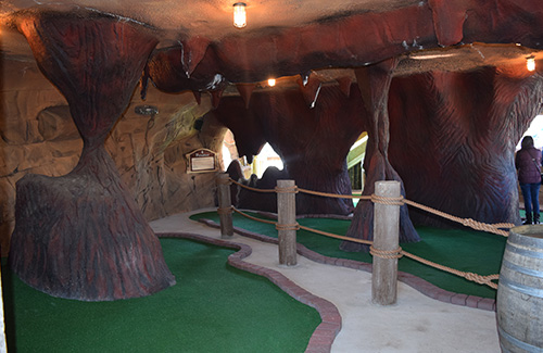 casino-pier-breakwater-beach-bwb-attractions-mini-golf-smugglers-quay-03.jpg