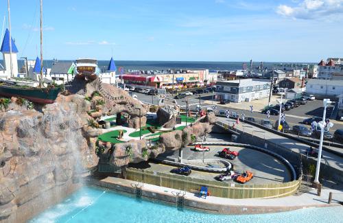 casino-pier-breakwater-beach-bwb-attractions-mini-golf-smugglers-quay-06.jpg