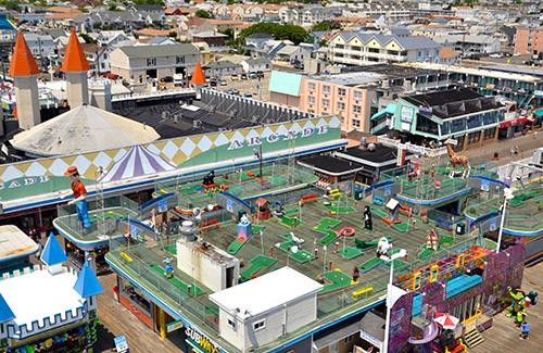 casino-pier-breakwater-beach-bwb-attractions-mini-golf-wacky-rooftop-01.jpg