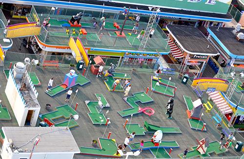 casino-pier-breakwater-beach-bwb-attractions-mini-golf-wacky-rooftop-02.jpg